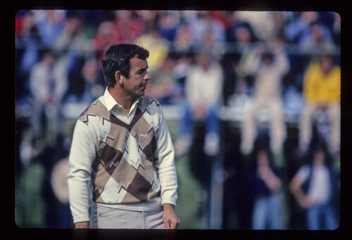 Tony Jacklin watching his putt closely during the 1981 Open Championship