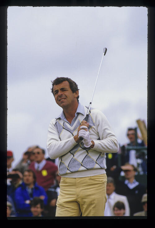 Tony Jacklin watching closely from the tee during the 1985 Open Championship