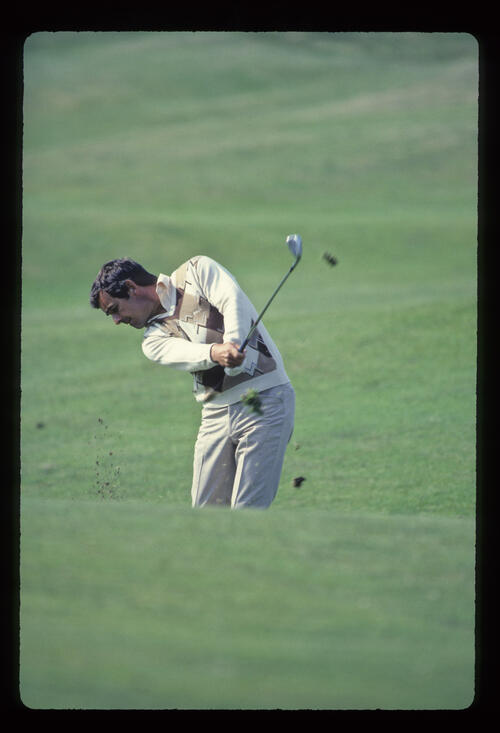Tony Jacklin pitching to the green during the 1984 Open Championship