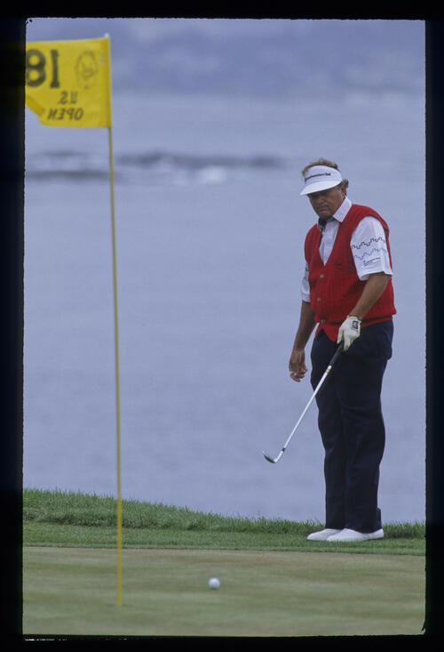 Raymond Floyd urging his chip to get closer to the 18th pin during the 1992 US Open