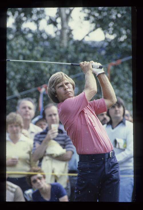 A young Ben Crenshaw watching his ball flight closely