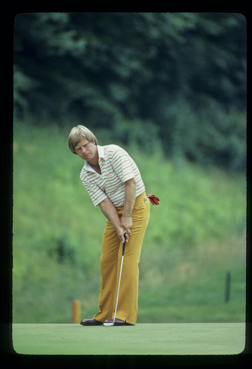 Ben Crenshaw watching after a putt during the 1981 US Open