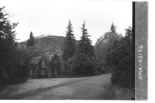 Entrance to Benmore.