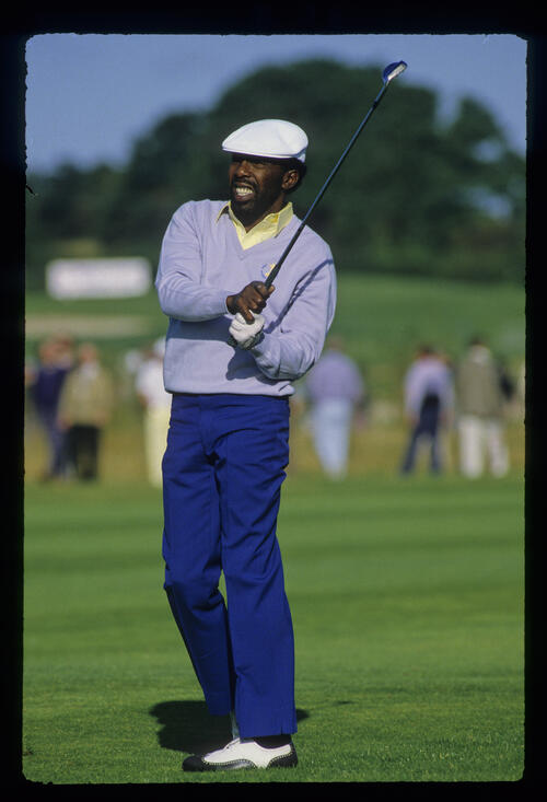 Calvin Peete leaning left on the fairway during the 1985 Ryder Cup