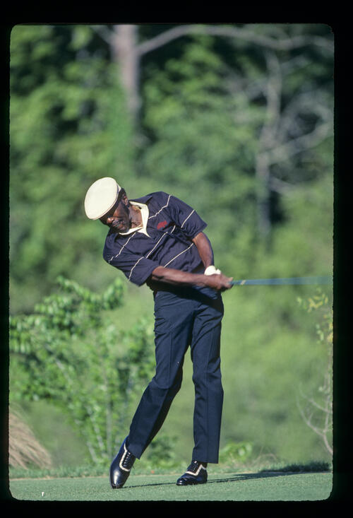 Calvin Peete driving on his way to winning the 1985 TPC