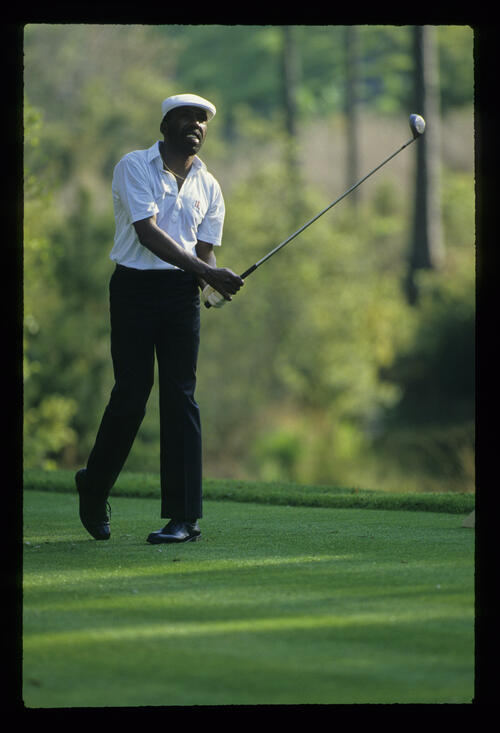 Calvin Peete watching closely from the tee during the 1988 TPC