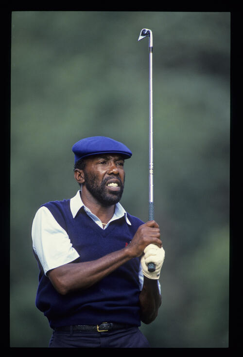 Calvin Peete watching closely from the tee during the 1987 Masters