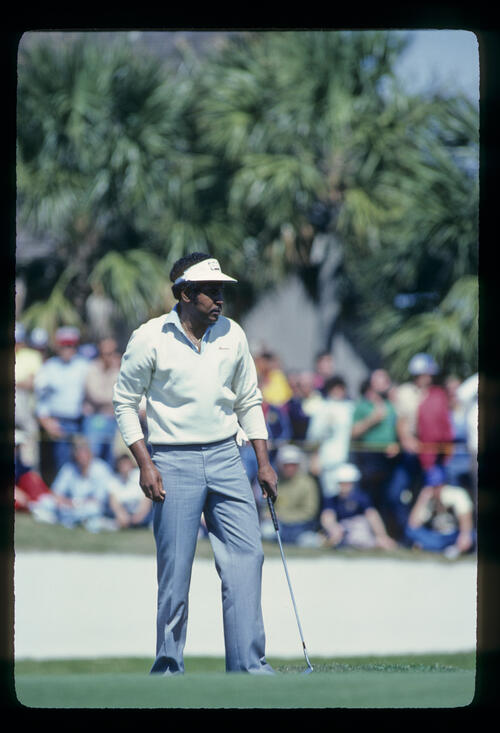 Calvin Peete putting from the fringe during the 1981 TPC