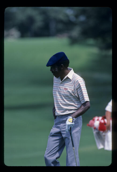 Calvin Peete entering the green during the 1985 Masters
