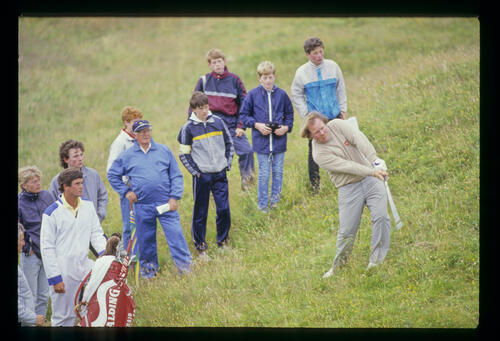 Craig Stadler thrashing from the thick rough during the 1986 Open Championship