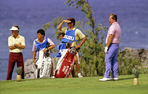 Craig Stadler and Ben Crenshaw on the tee during the 1986 Isuzu Kapalua International