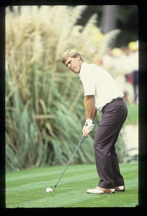 Hal Sutton preparing to tee off during the 1989 Masters