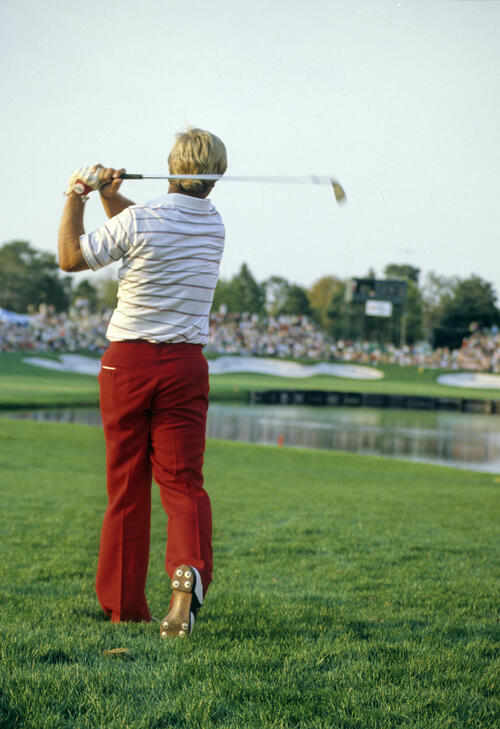 Hal Sutton hitting from the rough during the 1984 US Open