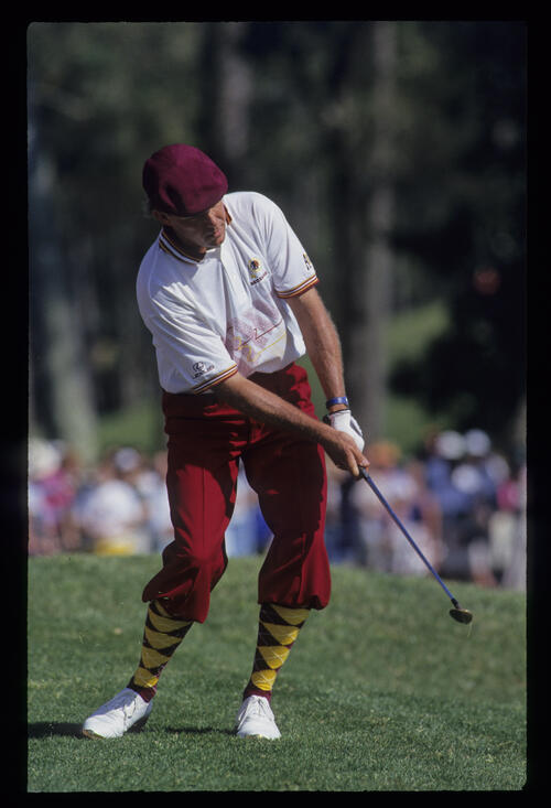 Payne Stewart pitching from the mounding during the 1993 TPC