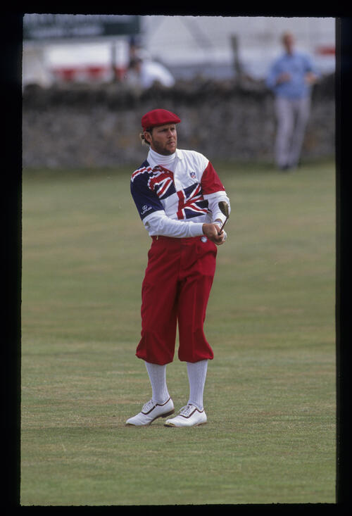 A bearded Payne Stewart pitching to the green during the 1992 Open Championship