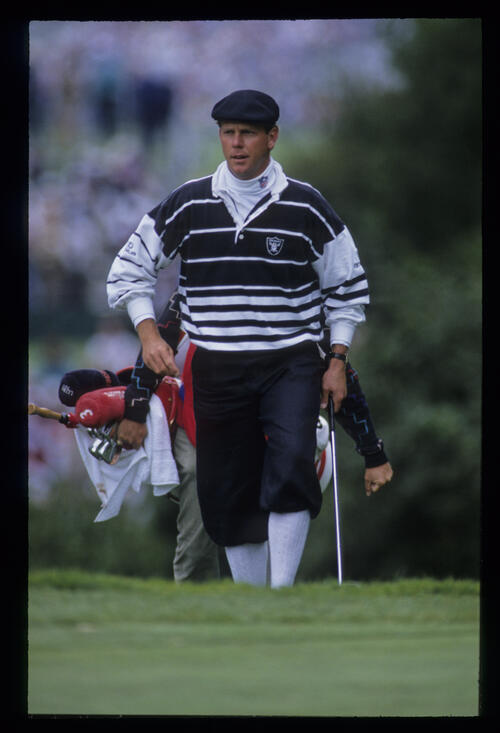 Payne Stewart walking onto the green during the 1992 US Open
