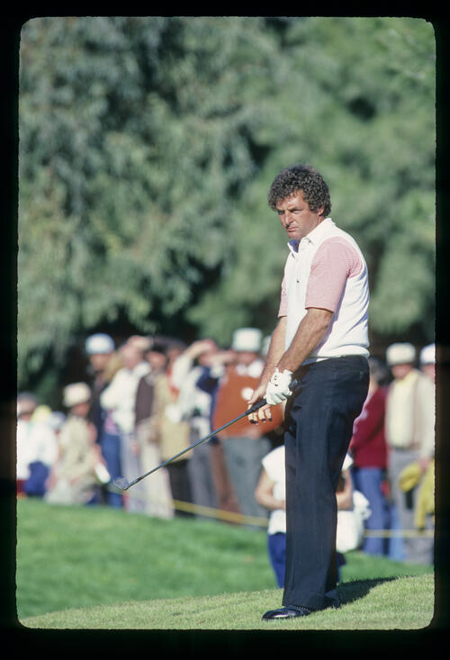 Fuzzy Zoeller chipping from a slope during the 1982 Phoenix Open