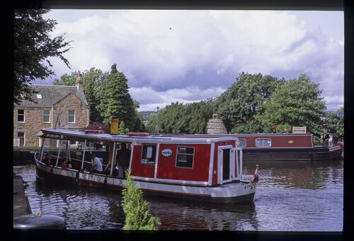 Manse Basin, Linlithgow, LUCS (Linlithgow Union Canal Society).