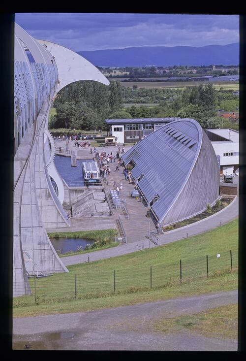 The Falkirk Wheel and Visitor Centre, Union Canal.