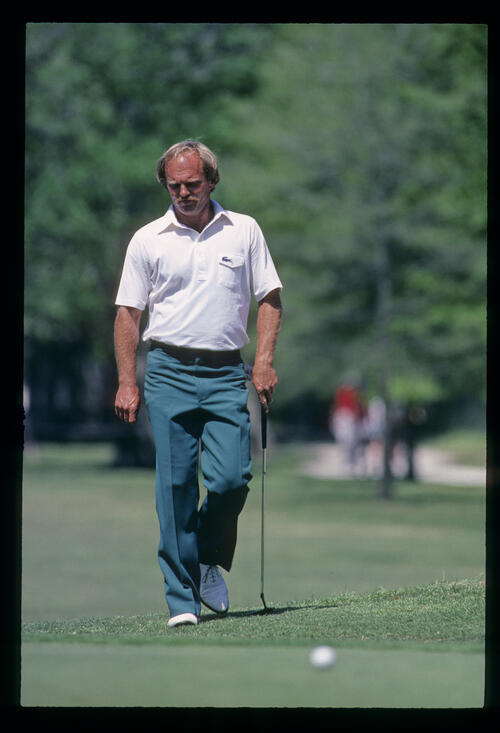 Bob Eastwood approaching a putt on his way to winning the 1984 USF&G Classic