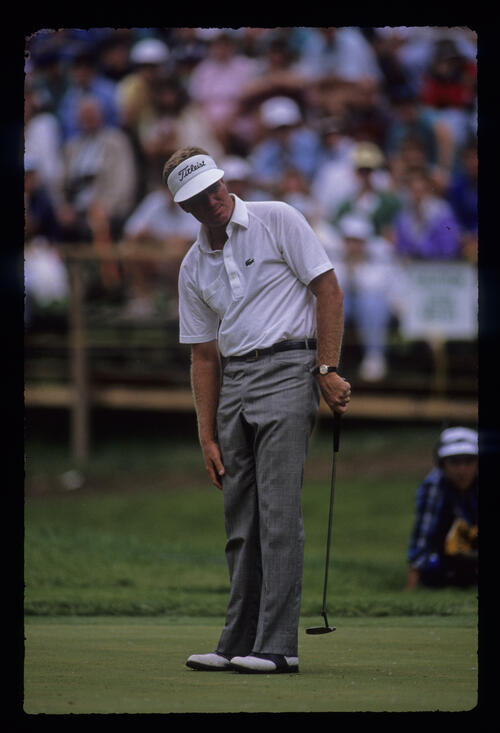Steve Elkington watching his putt closely during the 1989 US Open