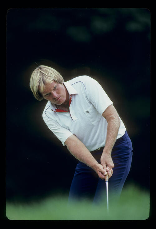 Keith Fergus watching his putt closely during the 1981 US Open