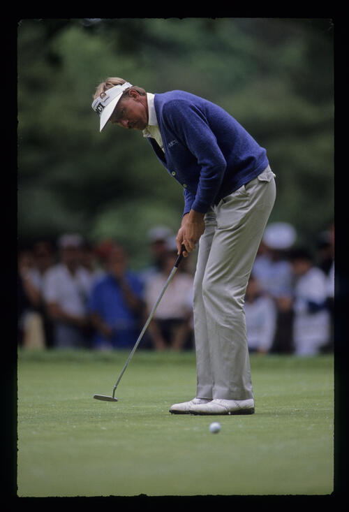 Dan Forsman putting during the 1989 US Open