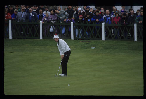 David Gilford watching his putt on the 18th during the final of the 1992 Dunhill Cup