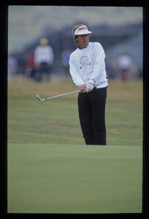 Wayne Grady chipping to the green during the 1992 Open Championship