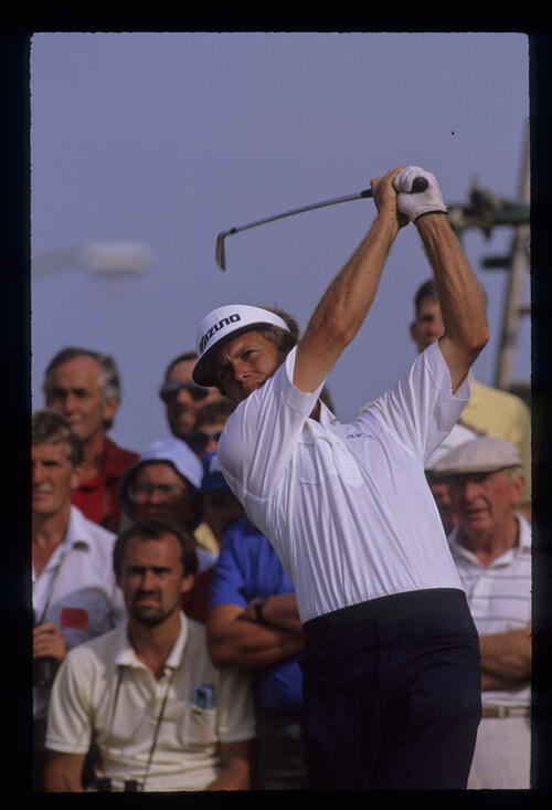 Wayne Grady hands high on the tee during the 1989 Open Championship