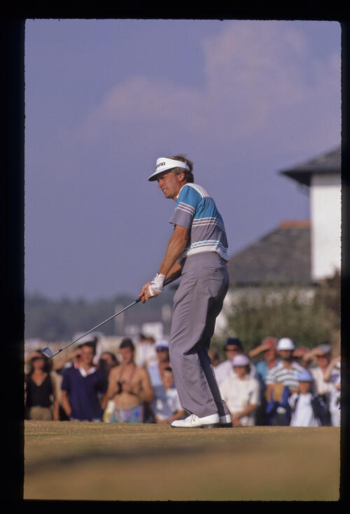 Wayne Grady chipping from the fringe during the 1989 Open Championship