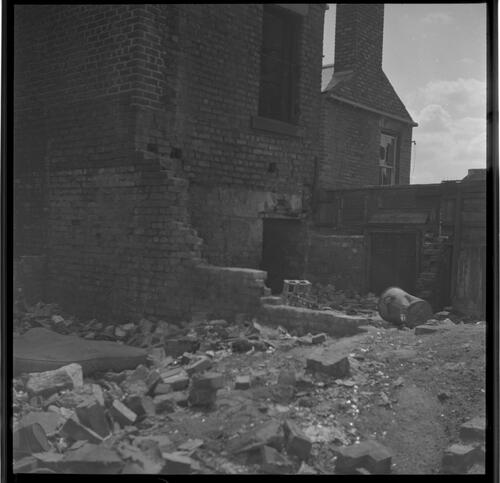 [Rubble and building, Rye Hill]