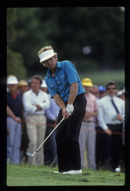 Wayne Grady chipping from the greenside rough on his way to third place at the 1988 Australian Open