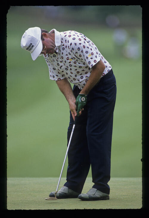 Ken Green putting during the 1989 US Open