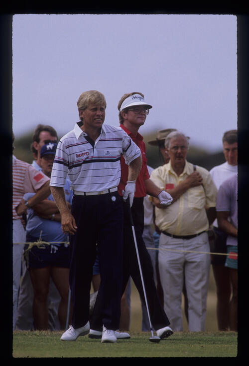 Jeff Hawkes and Tom Kite on the tee during the 1989 Open Championship
