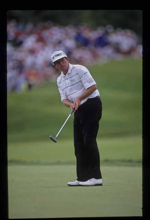 Scott Hoch putting during the 1991 US Open