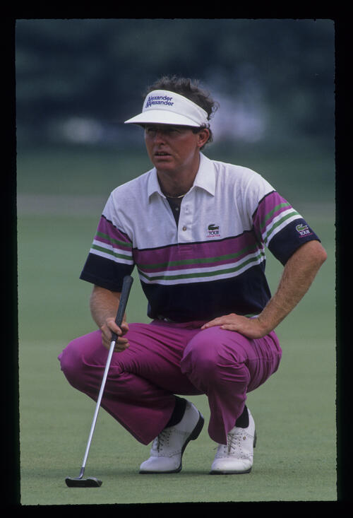 Scott Hoch lining up a putt during the 1989 USPGA