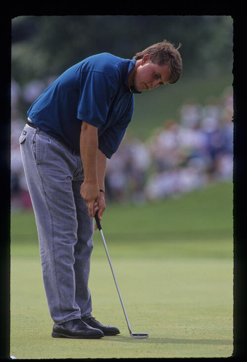 Phil Mickelson putting during the 1991 US Open
