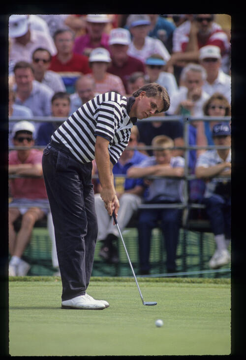 Phil Mickelson putting during the 1990 US Open