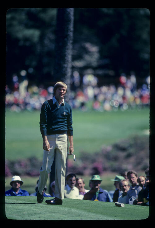 Bill Rogers watching closely from the tee during the 1982 Masters