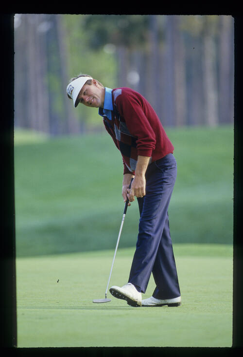 Bill Rogers stepping after a putt during the 1988 TPC