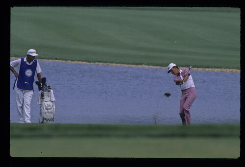 Dave Rummells pitching to the green during the 1989 USPGA