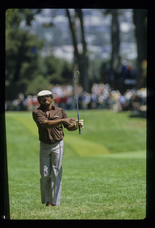 Jim Thorpe playing from the rough during the 1987 US Open
