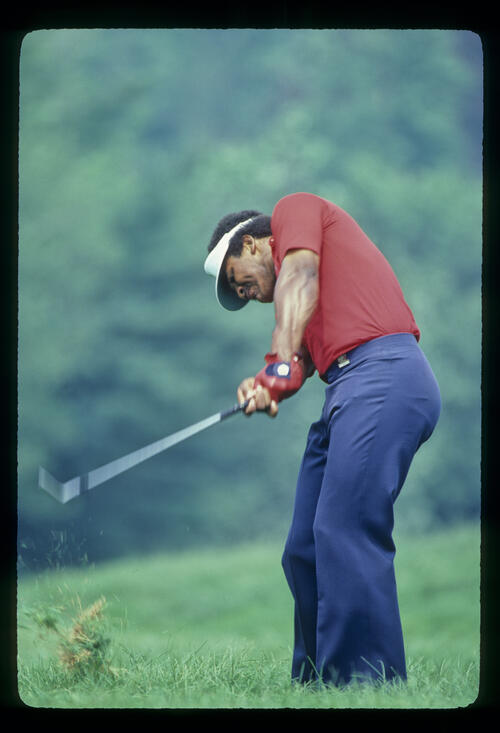 Jim Thorpe playing from the rough during the 1981 US Open