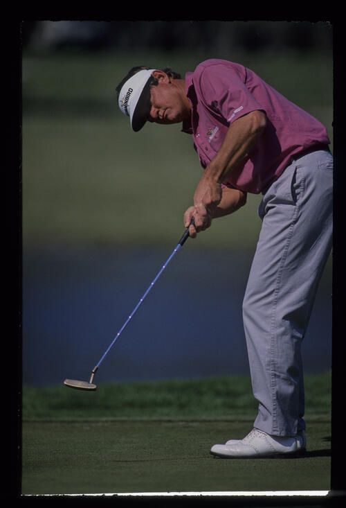 Bobby Wadkins putting during the 1989 Nestle Invitational