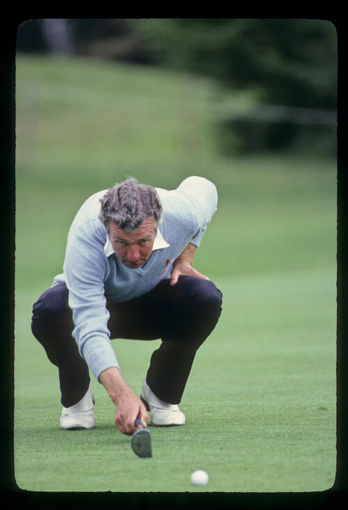 Brian Waites lining up a putt on his way to ninth place during the 1981 Martini International