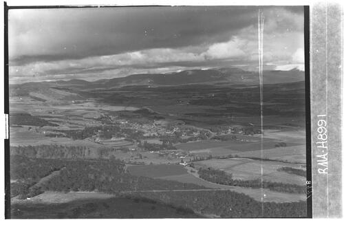 Newtonmore from Biallid.