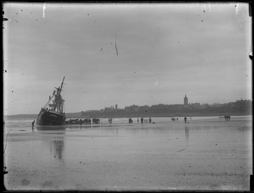 Shipwreck, St Andrews.