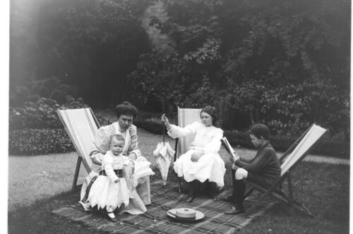 Garden Party [at Cleveland Cottage, Isleworth].