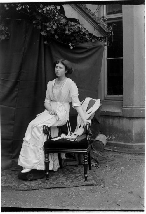Ida [Miller at Cleveland Cottage, Isleworth].